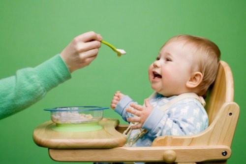 離乳食の悩みを解決!!じゃがいもっていつから?離乳食レシピも!のサムネイル画像