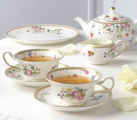 ティーカップの使い方の色々!コーヒー等を飲むだけじゃないんです!のサムネイル画像