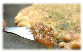 もんじゃ焼きの食べ方知ってる?もんじゃ焼きの基本的な食べ方!!のサムネイル画像
