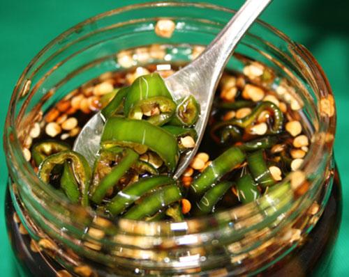 青唐辛子の醤油漬けは万能調味料・簡単!青唐辛子の醤油漬けの作り方のサムネイル画像