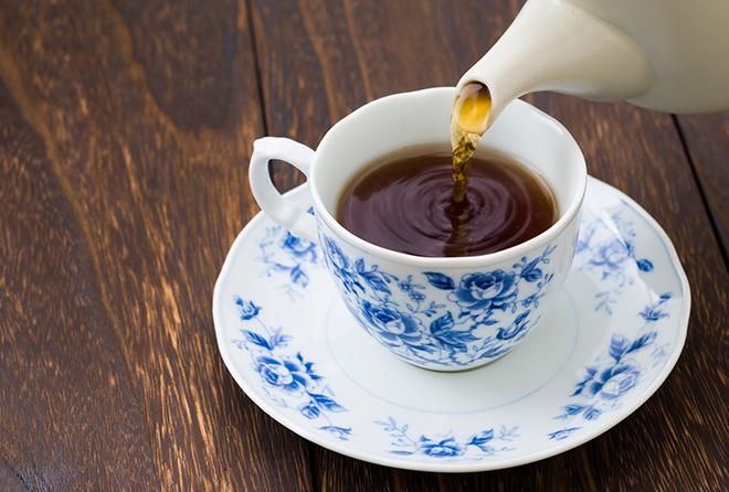 自宅でもおいしい紅茶をティーポットで。正しい使い方・楽しみ方のサムネイル画像