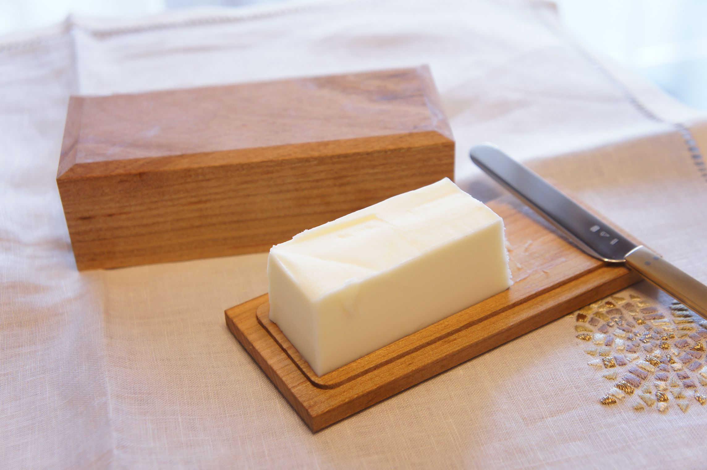 おうちで簡単に作っちゃおう!手作りバターのレシピとアレンジ方法!のサムネイル画像