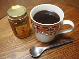 一緒にとって2倍嬉しい!コーヒーとはちみつの美容&健康効果!のサムネイル画像