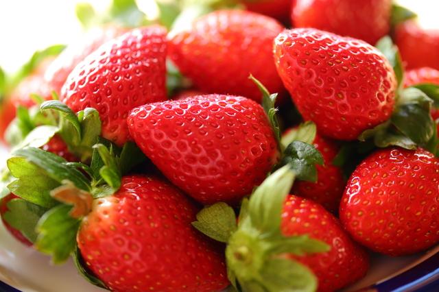 どの種類が好き?魅惑の果実いちごを120パーセント味わおう!のサムネイル画像