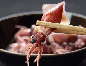 旬のものを食べよう!ホタルイカの旬の時期と美味しい食べ方のサムネイル画像