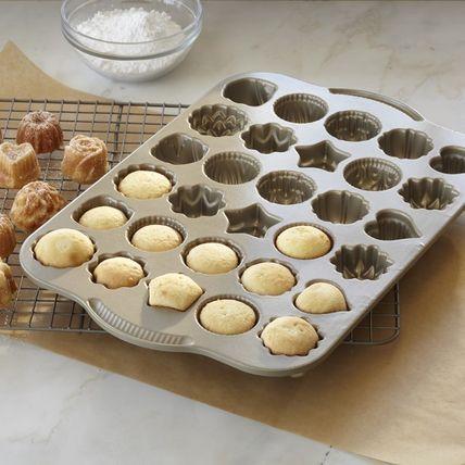 かわいいお菓子の型で楽しく作ろう!おすすめのお菓子の型&レシピのサムネイル画像