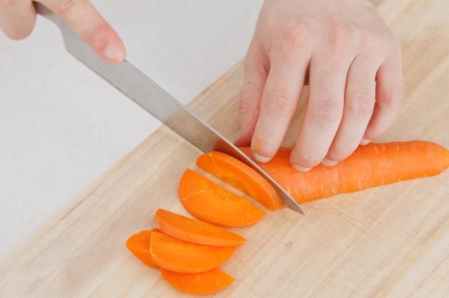 これで女子力UP♡料理の基本「包丁の切り方」をマスターせよ!のサムネイル画像