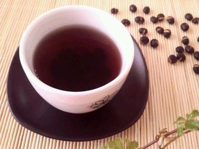 黒豆茶はおいしい!健康効果、美容効果も期待!黒豆茶の効果教えますのサムネイル画像